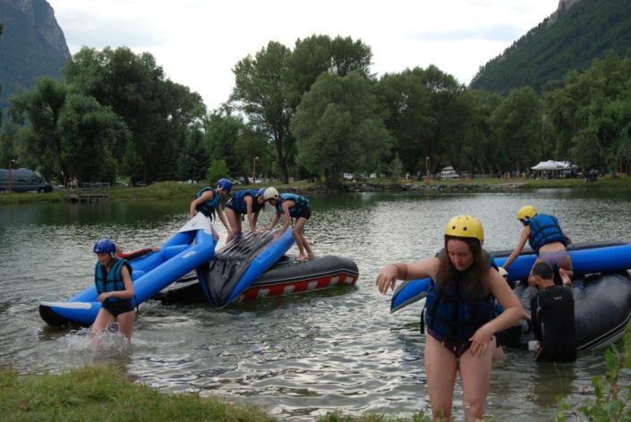 Jeux de constructions avec les bateaux au plan d'eau d'Eygliers